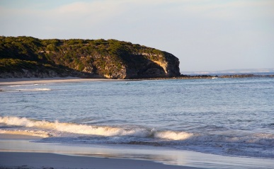 Wheatons Beach, D'Estrees Bay